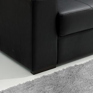 pé de Sofá de couro preto modelo taurus
